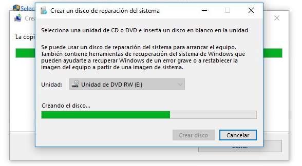 Solicitando disco para crear disco de reparación de sistema